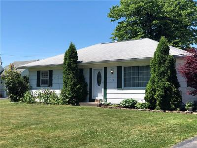 Rochester Single Family Home U-Under Contract: 333 Woodcroft Drive