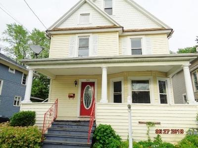 Single Family Home A-Active: 724 Deer Street