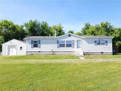 Single Family Home A-Active: 5607 Canandaigua Farmington Townline Road
