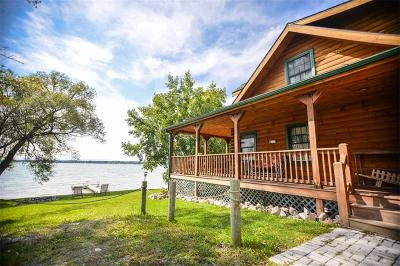 Single Family Home A-Active: 5855 Wayne's Point