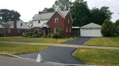 Irondequoit Single Family Home A-Active: 400 Rawlinson Road