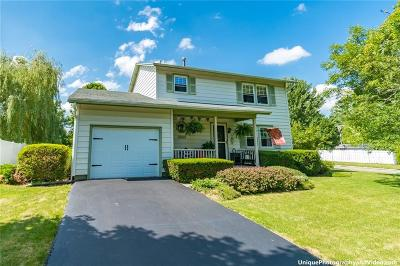 Canandaigua-City Single Family Home C-Continue Show: 10 Douglas Drive