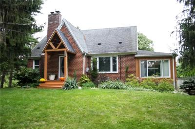 Webster Single Family Home U-Under Contract: 816 Maple Drive