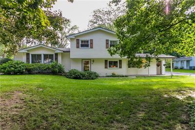 Penfield Single Family Home C-Continue Show: 76 Parkwood Lane