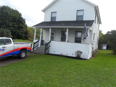 Genesee County Multi Family 2-4 U-Under Contract: 8542 East Main Road