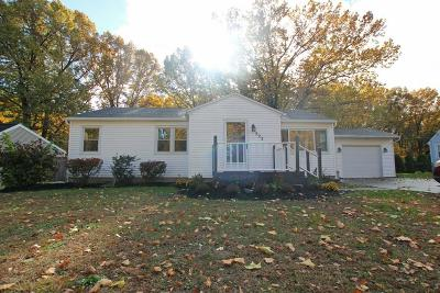 Webster Single Family Home C-Continue Show: 223 Oakwood Lane