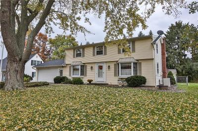 Single Family Home U-Under Contract: 71 Hawthorne Drive