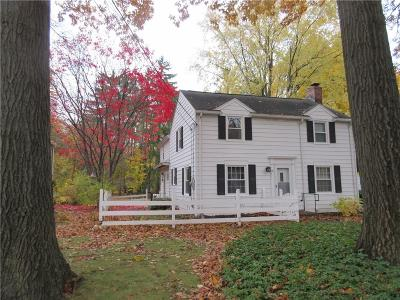 Rochester Single Family Home A-Active: 18 Landing Road South