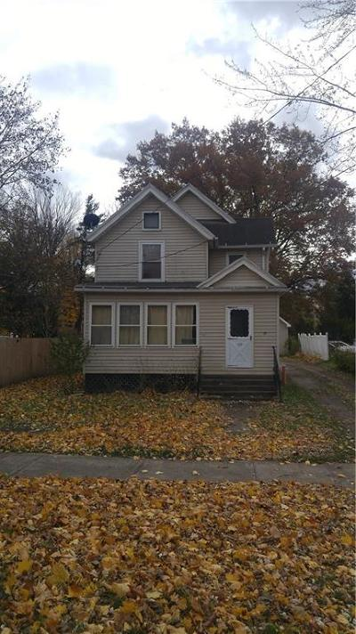 Single Family Home U-Under Contract: 69 West Main Street