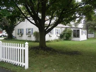 Single Family Home A-Active: 29 Canandaigua Avenue