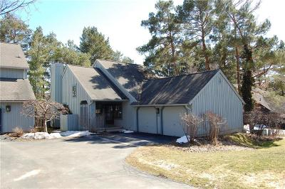 Canandaigua NY Single Family Home A-Active: $214,900