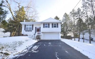 Penfield Single Family Home U-Under Contract: 25 Oak Hill Terrace