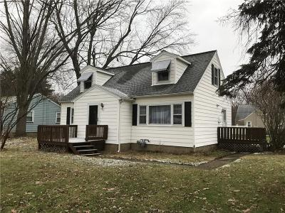 Webster Single Family Home A-Active: 986 Gravel Road