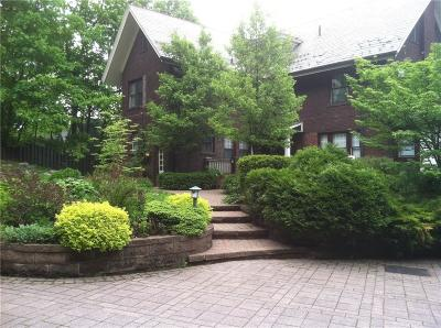 Rochester Single Family Home U-Under Contract: 144 Pinnacle Road