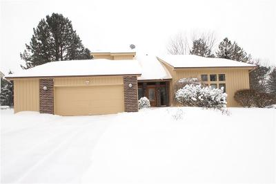 Pittsford Single Family Home C-Continue Show: 37 Split Rock Road