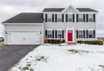 Penfield Single Family Home C-Continue Show: 31 Kings Mill Court