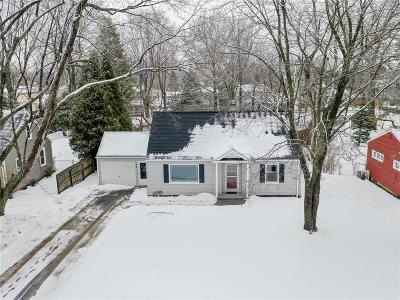 Penfield Single Family Home C-Continue Show: 48 Hilltop Drive