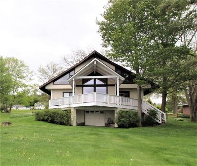 Ashville, Bemus Point, Celoron, Chautauqua, Chautauqua Institution, Dewittville, Gerry, Greenhurst, Jamestown, Lakewood, Maple Springs, Mayville Single Family Home A-Active: 3719 Crestview Drive