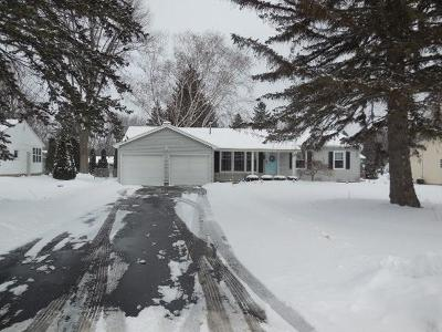 Rochester Single Family Home U-Under Contract: 22 Cross Bow Drive