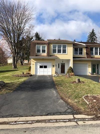 Penfield Condo/Townhouse A-Active: 242 Willow Pond Way