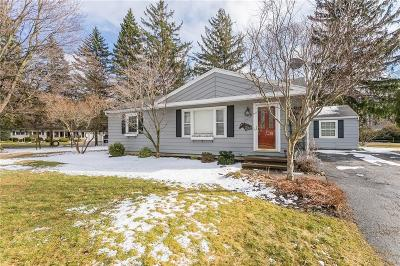 Webster Single Family Home A-Active: 525 Old Mill Lane