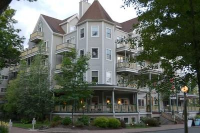 Condo/Townhouse A-Active: 1 Pratt Avenue #204