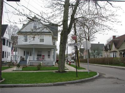 Single Family Home A-Active: 253 Washington Street