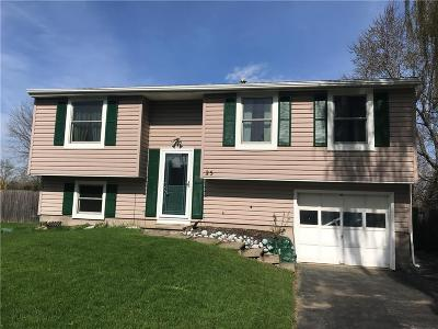 Rochester Single Family Home A-Active: 25 Maple Valley Crescent
