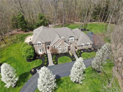 Pittsford Single Family Home A-Active: 7938 Oak Brook Circle