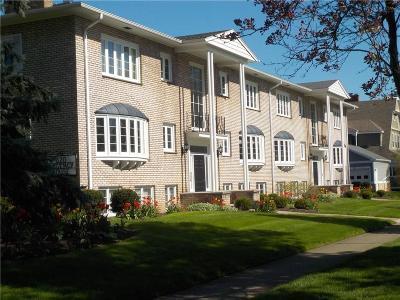 Rochester Condo/Townhouse For Sale: 820 East Avenue #UN400