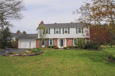 Pittsford Single Family Home A-Active: 4 Hunters Pointe