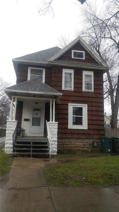 Rochester Single Family Home For Sale: 16 Myrtle Street