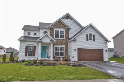 Monroe County Single Family Home A-Active: 39 Gainsborough Place