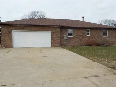 Single Family Home Pending: 10114 E Lake Road
