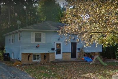 Multi Family 2-4 A-Active: 21 Williams Road