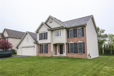 Webster Single Family Home For Sale: 1088 Bear Creek Circle