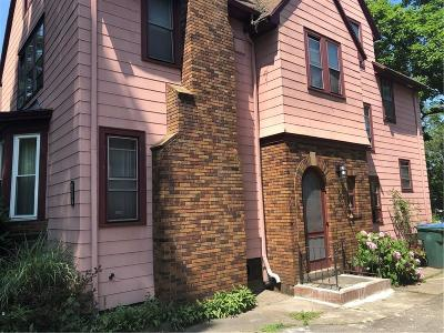 Rochester Single Family Home For Sale: 216 Seneca Parkway