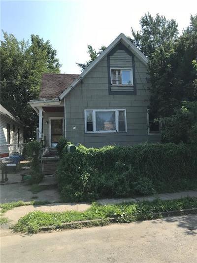 Rochester Single Family Home For Sale: 81 Brayer Street