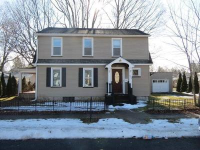 Waterloo Single Family Home C-Continue Show: 303 West Williams Street