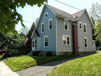 Single Family Home For Sale: 102 Burns Terrace