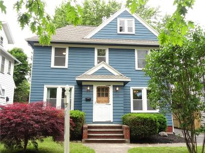 Rochester Single Family Home For Sale: 150 Parkside Avenue