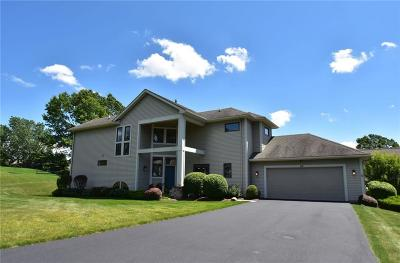 Perinton Single Family Home For Sale: 60 Woodcliff Terrace