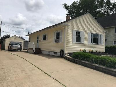 Jamestown Single Family Home For Sale: 16 Meadow Lane
