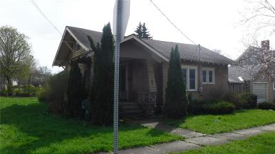 Watertown-City Single Family Home For Sale: 326 S Pleasant Street