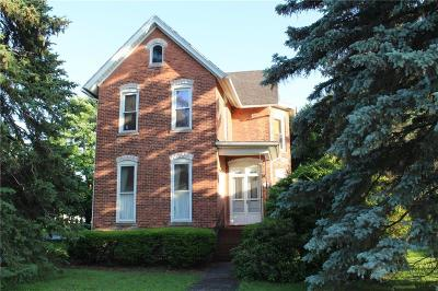 Albion Single Family Home For Sale: 116 East Avenue