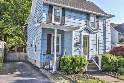 Perinton Single Family Home For Sale: 19 George Street