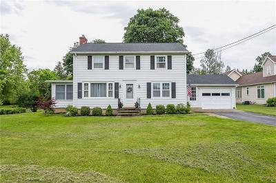 Canandaigua-city, Canandaigua-town Single Family Home For Sale: 3354 West Lake Road