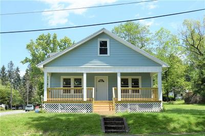 Jamestown Single Family Home For Sale: 179 Linwood Avenue