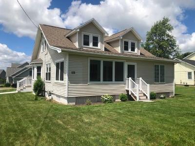 Perinton Single Family Home For Sale: 105 Hogan Road