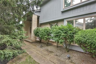 Pittsford Condo/Townhouse For Sale: 15 Tobey Court #4
